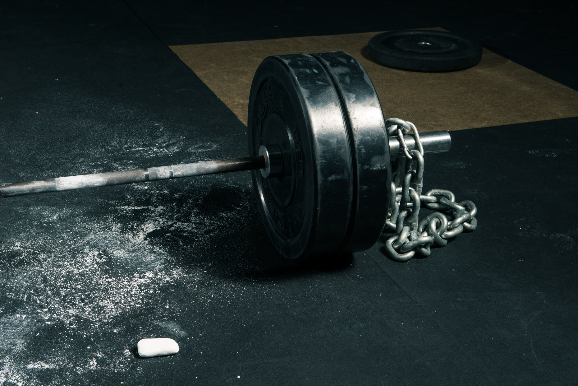 barbell_and_chalk